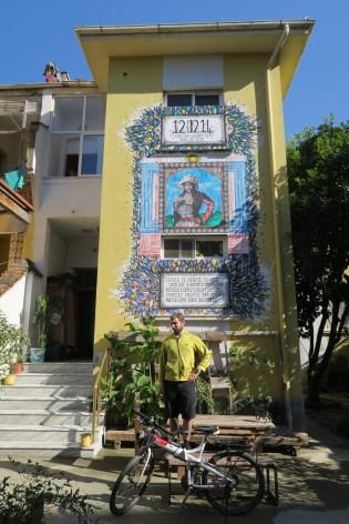 Tirana Backpackers Hostel!! (1)