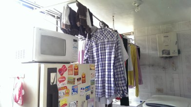 The vast majority of the houses I ve been in Colombia dry their clothes in the kitchen..
