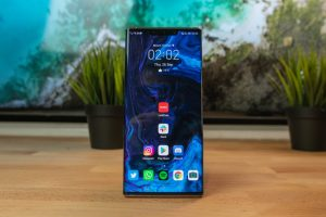 Huawei-Mate-30-Pro-Front-shot-of-home-screen-bright-dokterapk