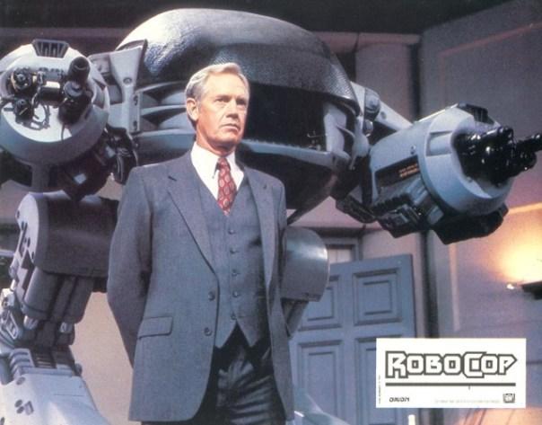 ED-209 i Dick Jones w całej swej okazałości.