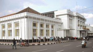 Gedung Merdeka Jalan Asia-Afrika Gedung Merdeka Jalan Asia Afrika Cover - Dolan Dolen