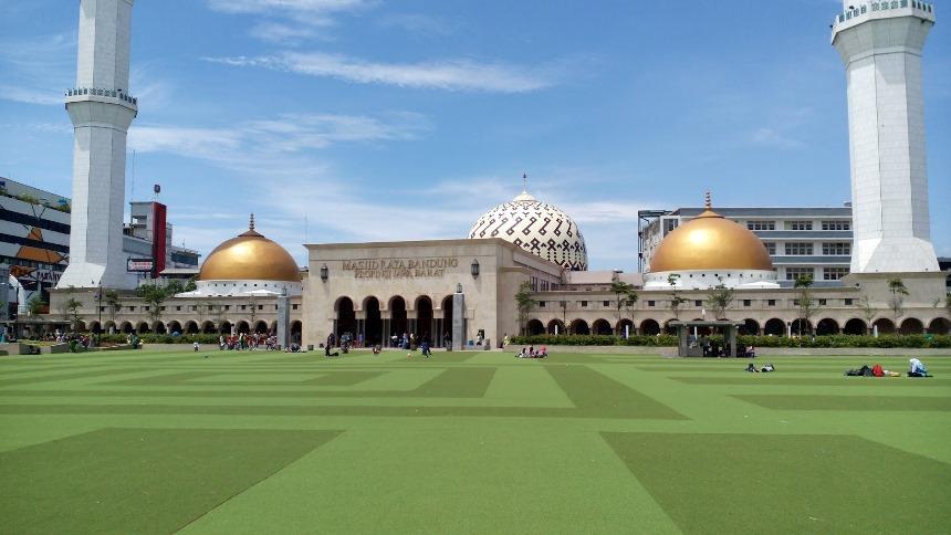 Masjid Agung Bandung Masjid Agung Bandung - Dolan Dolen