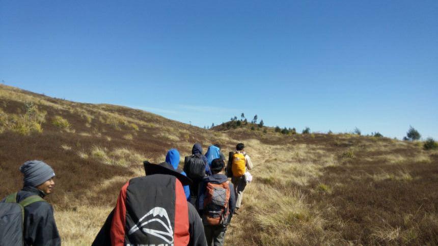 Trek Gunung Prau Trek Gunung Prau - Dolan Dolen