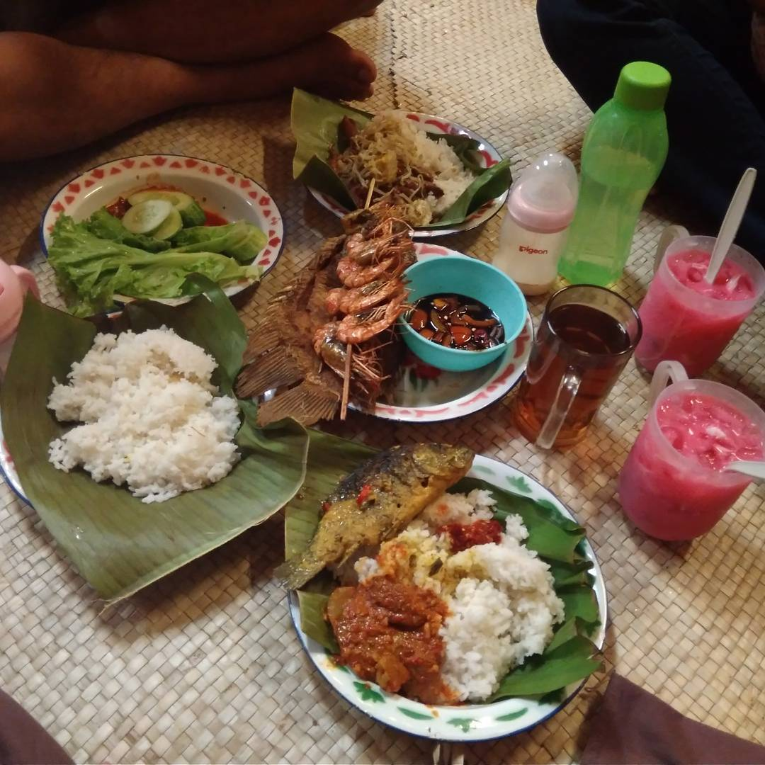 Nasi Bancakan, Nasi Bancakan Bandung, Bandung, Kota Bandung, Dolan Dolen, Dolaners Nasi Bancakan via christinwaruwu - Dolan Dolen