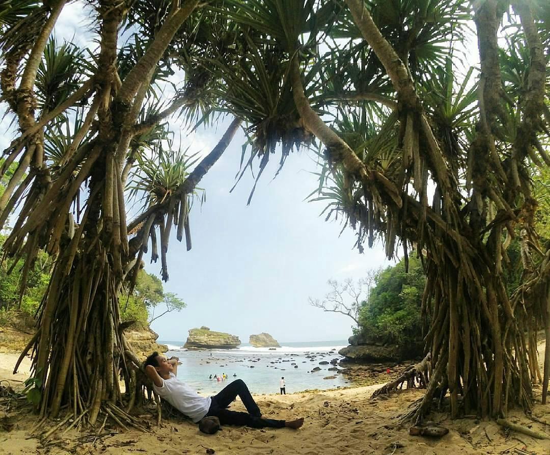 Pantai Ngliyep, Pantai Ngliyep Malang, Malang, Dolan Dolen, Dolaners Pantai Ngliyep via pantaingliyepmalang - Dolan Dolen