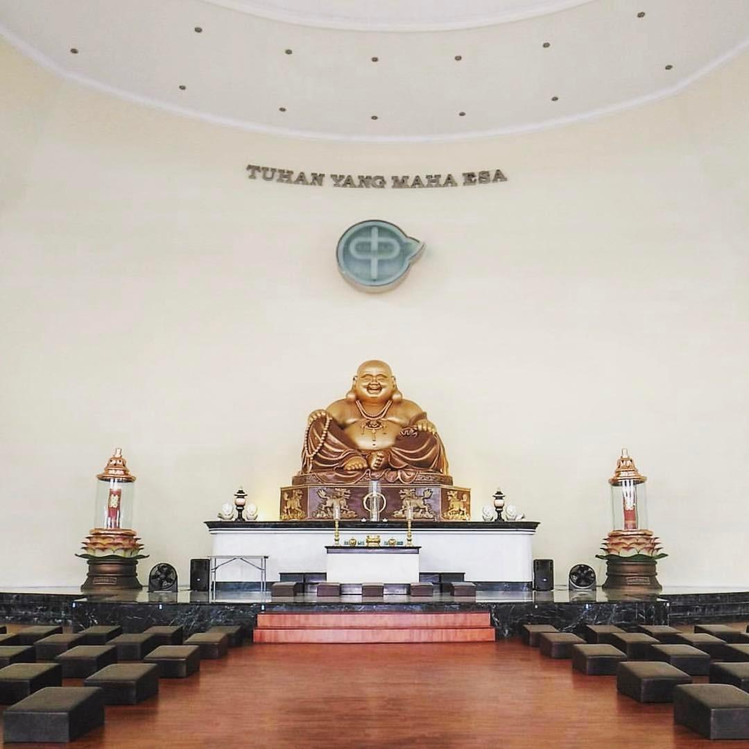 Maha Vihara Pusdiklat Buddha Maitreya, Maha Vihara Buddha Surabaya, Vihara Surabaya, Vihara Buddha, Dolan Dolen, Dolaners, Surabaya maha vihara pusdiklat buddha maitreya - Dolan Dolen