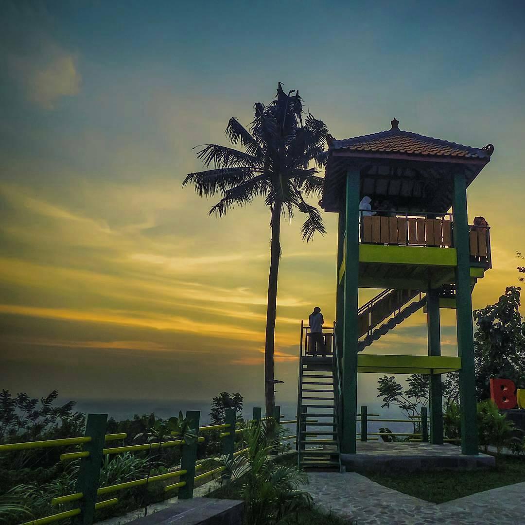 Bukit Teletubbies, Bukit Teletubbies Yogyakarta, Yogyakarta, Dolan Dolen, Dolaners Bukit Teletubbies by masmooe  - Dolan Dolen