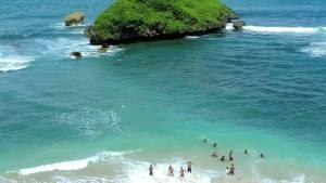 Pantai Ngandong, Pantai Ngandong Yogyakarta, Yogyakarta, Dolan Dolen, Dolaners Pantai Ngandong by ryo rebi - Dolan Dolen
