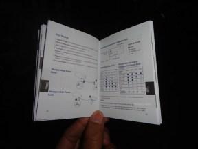 unboxing asus zenpower 10050 mAh seukuran kartu kredit (2)