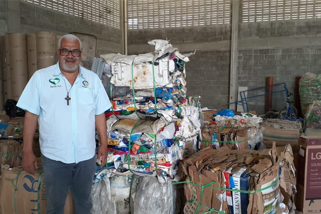 SustentaMundoBR Parahyba - Treinamento de Telines Basílio (Carioca) da Coopercaps de São Paulo na ASTREC - Associação de Trabalhadores de Reciclagem de Cabedelo