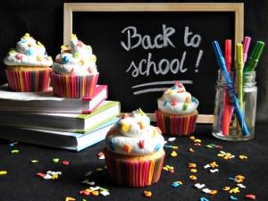 Cupcakes con letterine per il ritorno a scuola