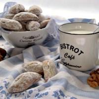 Biscotti alle noci semplici e veloci, ottimi per la colazione