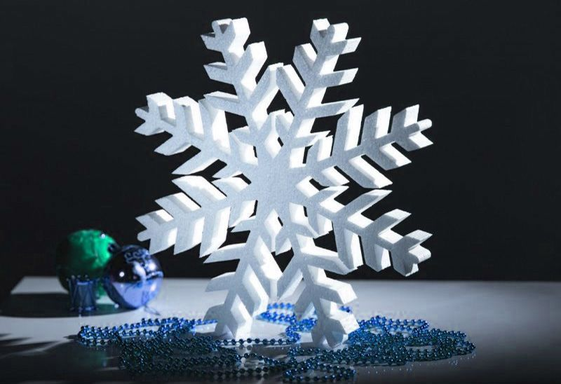 Snowflakes from foamflast