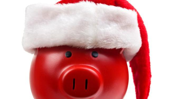 3 Ways To Stop Overspending At Christmas