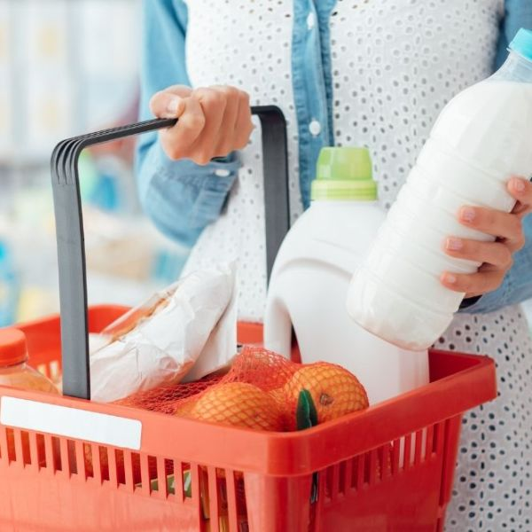 12 Ways We Keep Our Grocery Bill Under $100 A Week (Without Coupons!)