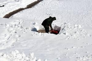 make money by snow shoveling