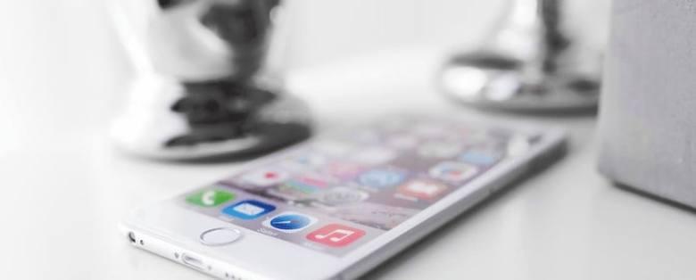 schermo iPhone con app per fare soldi