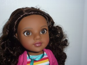 If you asked, I would probably say that Nyesha and Ana are the only dolls we own that look good being photographed from all directions