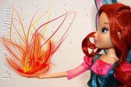 Jakks Pacific Winx Club Believix Bloom side view dragon flame fire ball