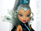 Mattel Winx Club Witch Icy cape collar head makeup 2