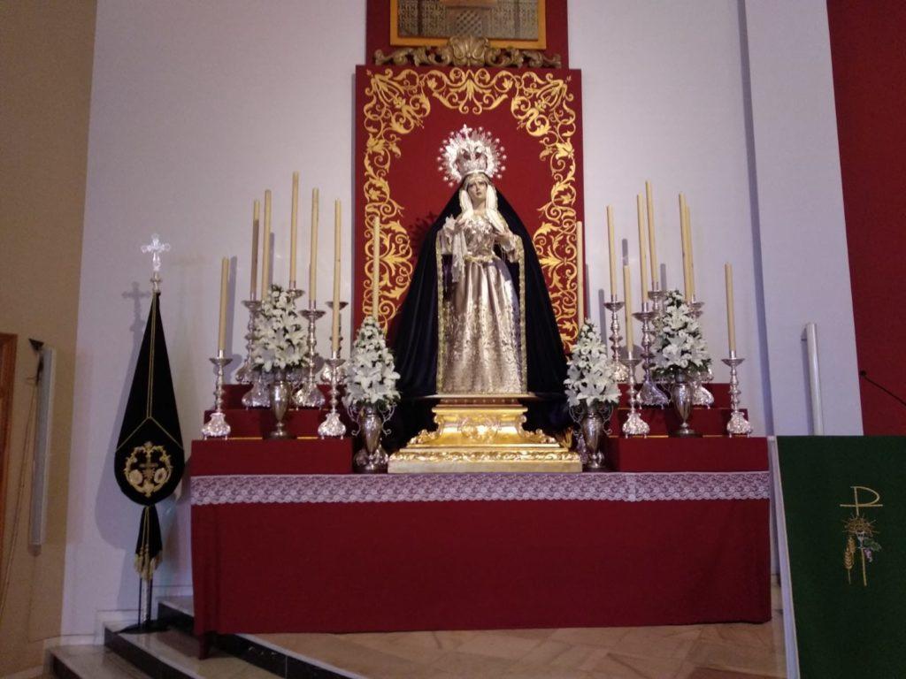 Candelabros cedidos por la Cofradía de Misericordia para este Altar Efímero.