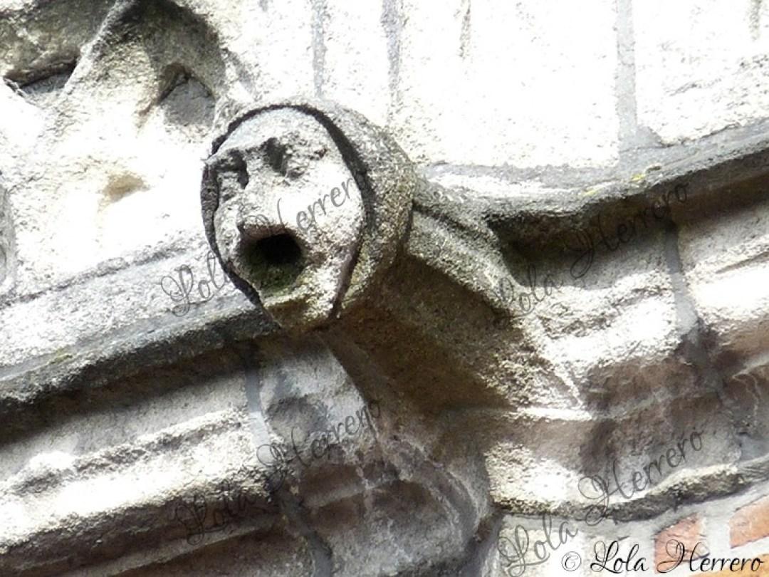 Gárgola Edificio Correos Brujas (Bélgica) (388)