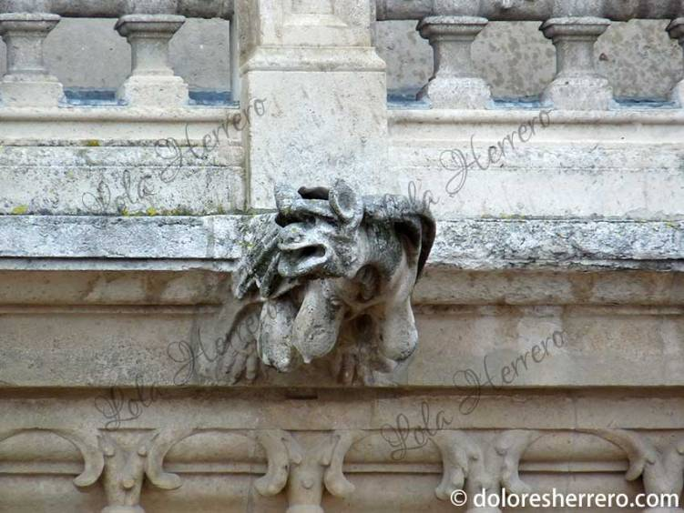 gárgola catedral demonio