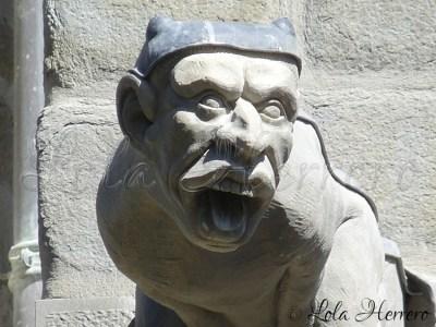 Gárgola de la Catedral de St. Michel Carcassonne (Francia)