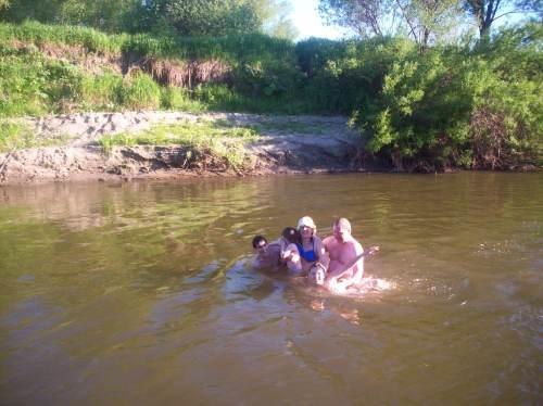 Семейное фото в воде