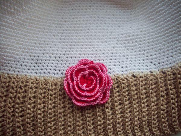 Цветок на шапке