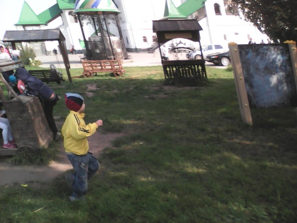Егор на площадке