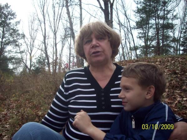 Бабушка Тоня с внуком