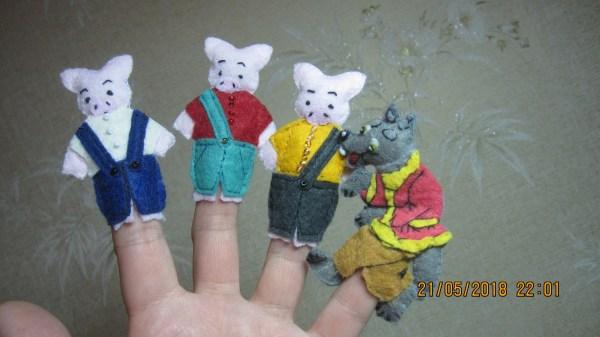 Пальчиковые игрушки - три поросёнка