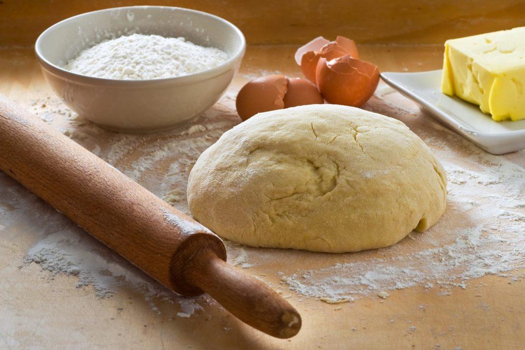Дрожжевая основа (дрожжевое тесто) для пышной пиццы фото