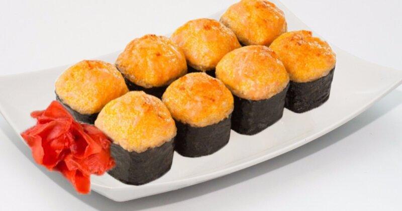 Gebakken broodjes doen het zelf - een recept met zalm- en garnalenfoto