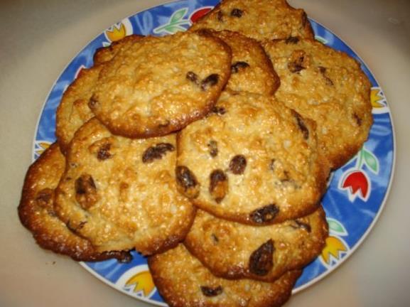 Песочное печенье с изюмом фото