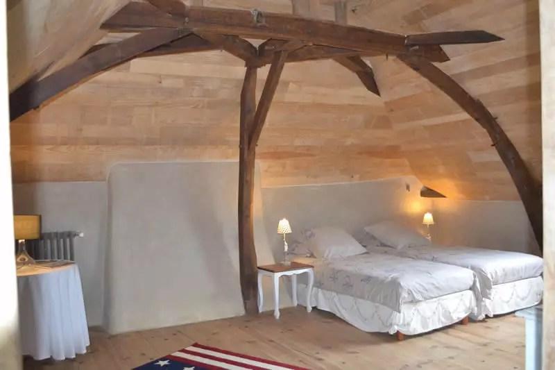 gite-grande-maison-poupardiere-domaine-des-vaulx-chambre5