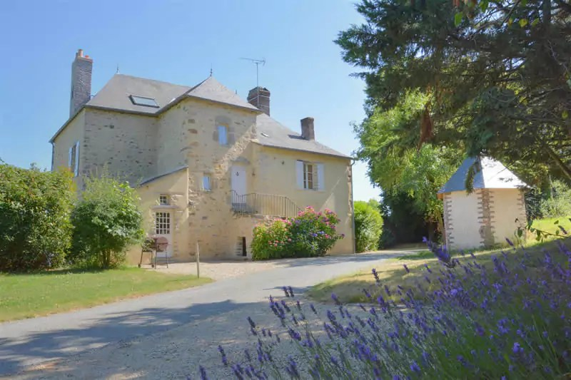 gite-grande-maison-poupardiere-domaine-des-vaulx-jardin3