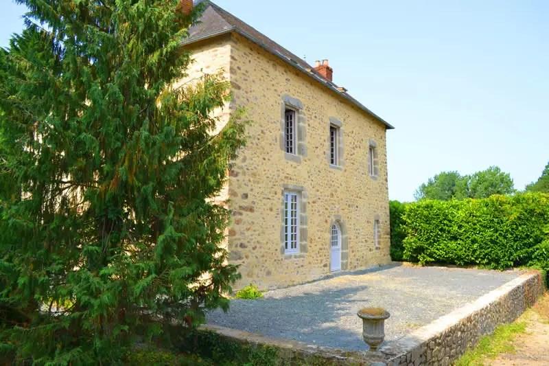 gite-grande-maison-poupardiere-domaine-des-vaulx-terrasse