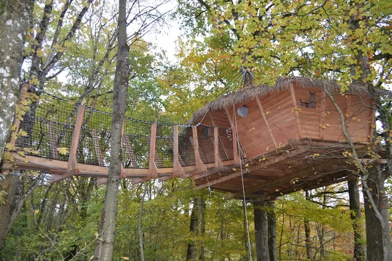 cabane-dans-les-arbres-famille-lisbonne-ensemble