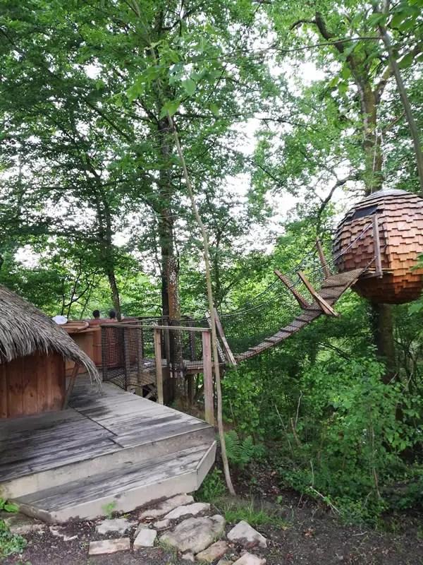 cabane-lov-nid-exterieur