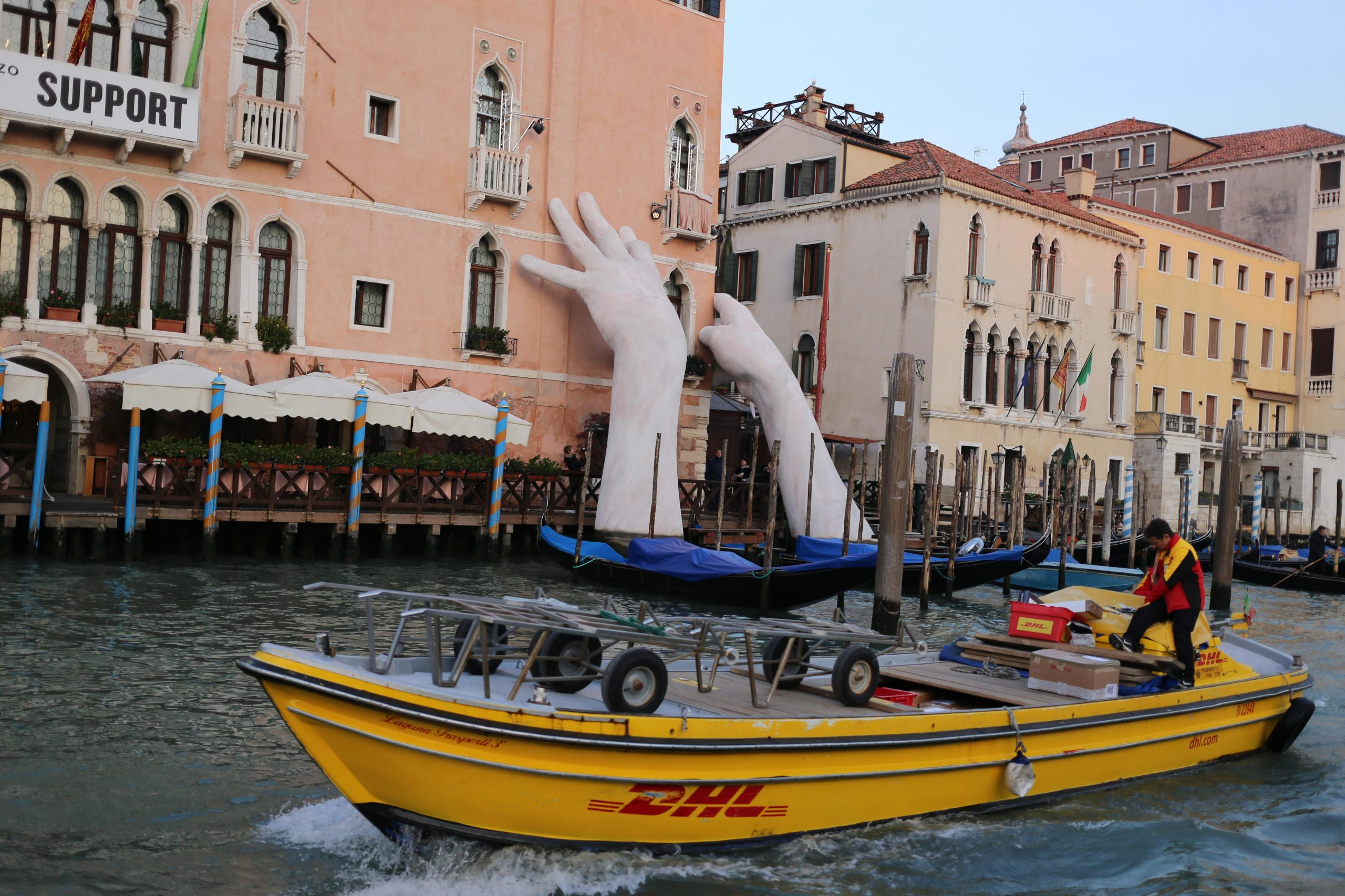 DHL in Venice