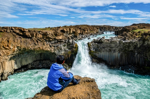 Picture of waterfall in Iceland
