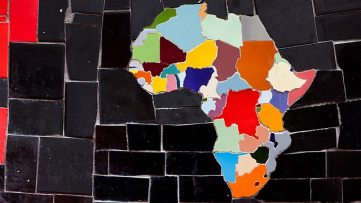 (Photo: A colorful African map made out of tiles by the Chilean-born painter and sculptor, Jorge Selaron © AFP/Getty Images)