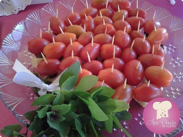 Patê de Alho com Bastões de Legumes
