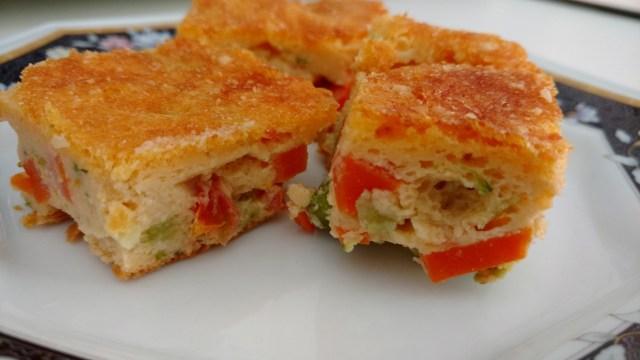 torta prática de liquidificador com tomate na massa