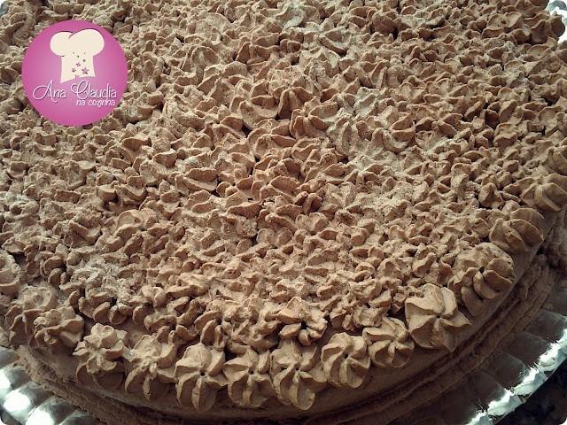 bolo de chocolate trufado com castanha do pará