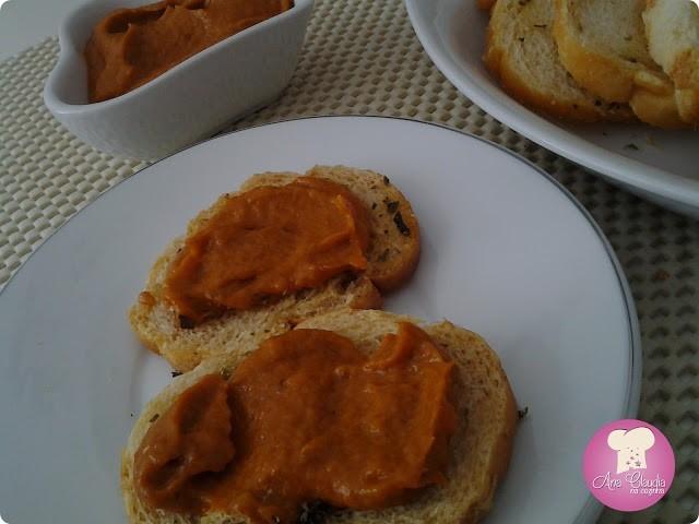 sardela, pasta de sardinha e pimentão vermelho