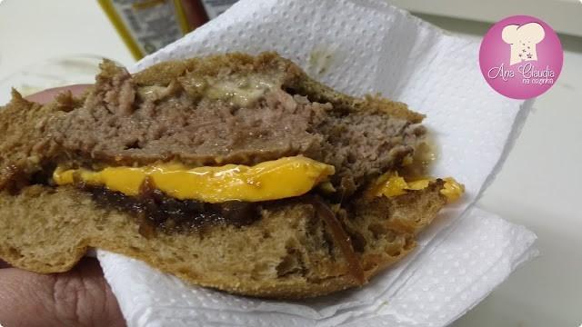 hamburguer caseiro de carne e bacon