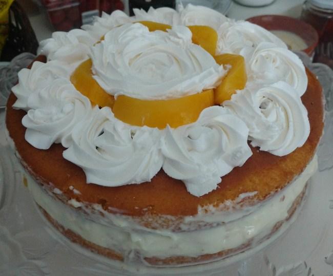 bolo de aniversário de pêssego